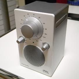 Tivoli Audio(チボリ・オーディオ)iPAL(アイ・パル)前面