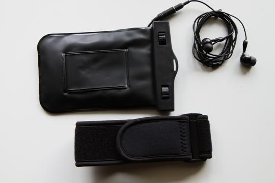 iPhone用シースルー防水ケース 200-PDA011/背面&アームバンド