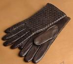 Gloves(グローブス)のイントレチャート・グローブ