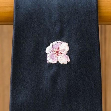 EDDY MONETTI(エディ・モネッティ)の刺繍ネクタイ/桜の刺繍