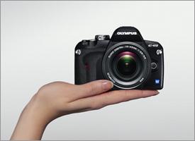 OLYMPUS(オリンパス)デジタル一眼レフカメラE-410/手の平サイズ