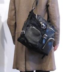 FLORIAN DENICOURT(フロリアン・ドゥニクール)ポニーレザーバッグ/使用例